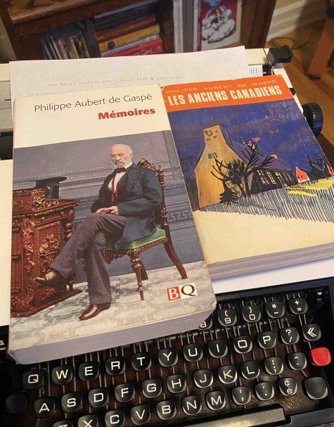 Pages couvertures des Anciens Canadiens (Fides, 1967) et des Mémoires de Philippe Aubert de Gaspé. CC-BY Olivier Charbonneau 2021
